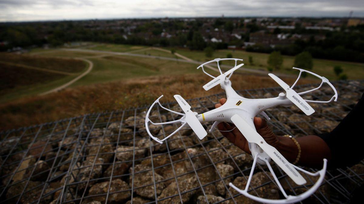 """""""Los drones no son juguetes, son aeronaves"""" y estas son las normas para usarlos, según Seguridad Aérea"""