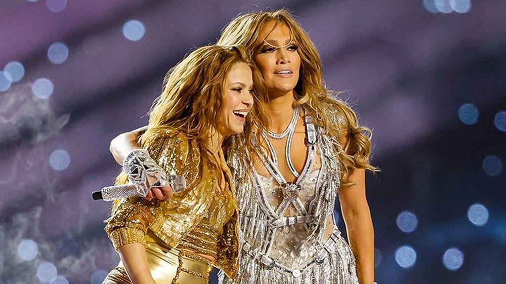 Lo que no se vio de la Super Bowl: la complicidad entre Jennifer López y Shakira tras su actuación