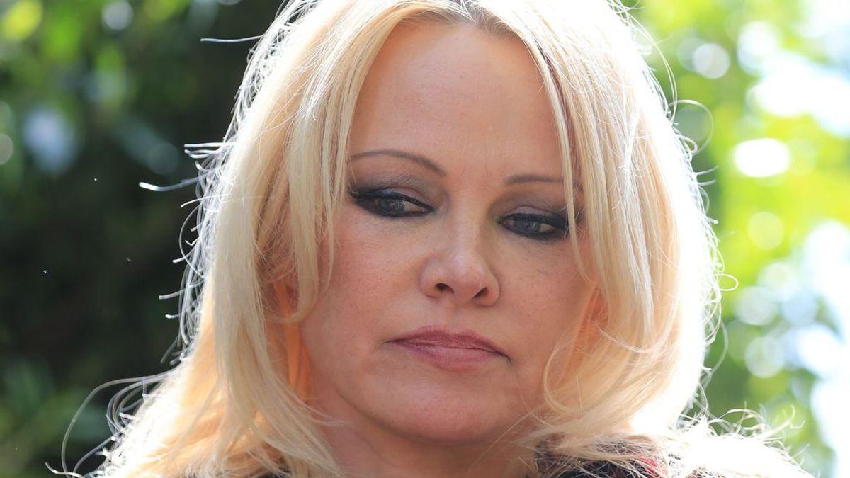 """Pamela Anderson confirma su separación doce días después de su boda: """"Un tiempo para reevaluar lo que queremos"""""""