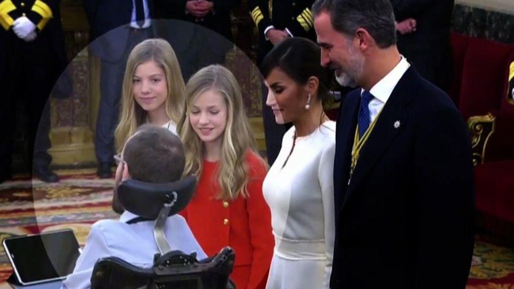 El momento en el que Echenique les niega el saludo a las Infantas Leonor y Sofía