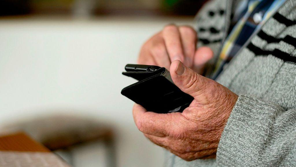 Se juzga a una trabajadora social de un psiquiátrico por falsificar el DNI de un paciente y cobrar su pensión 33 años