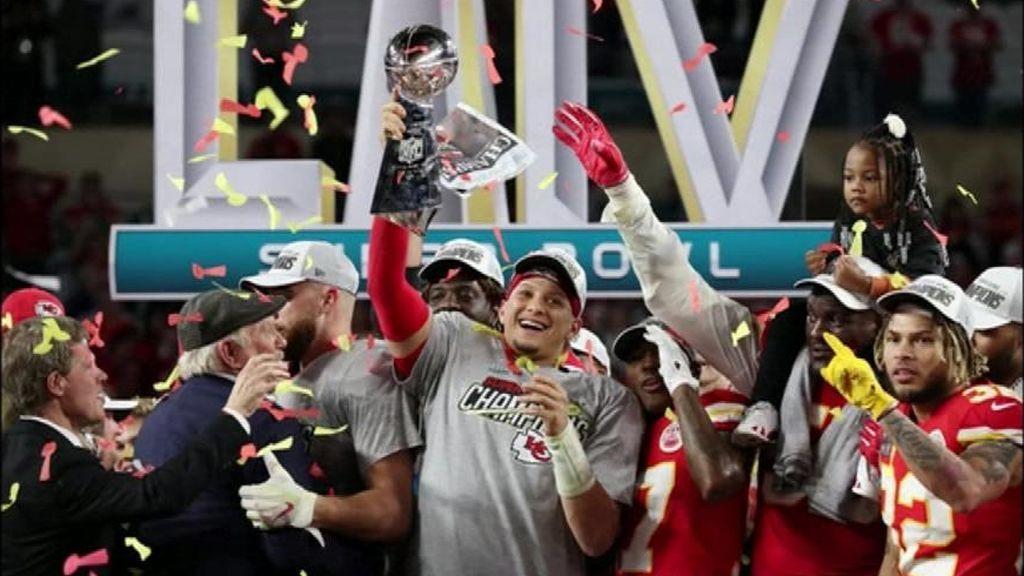 Trump se confunde al felicitar al campeón de la Super Bowl