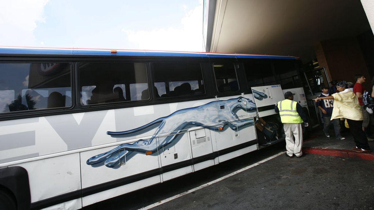 Tiroteo en un autobús en EE. UU., hay un muerto y cinco heridos