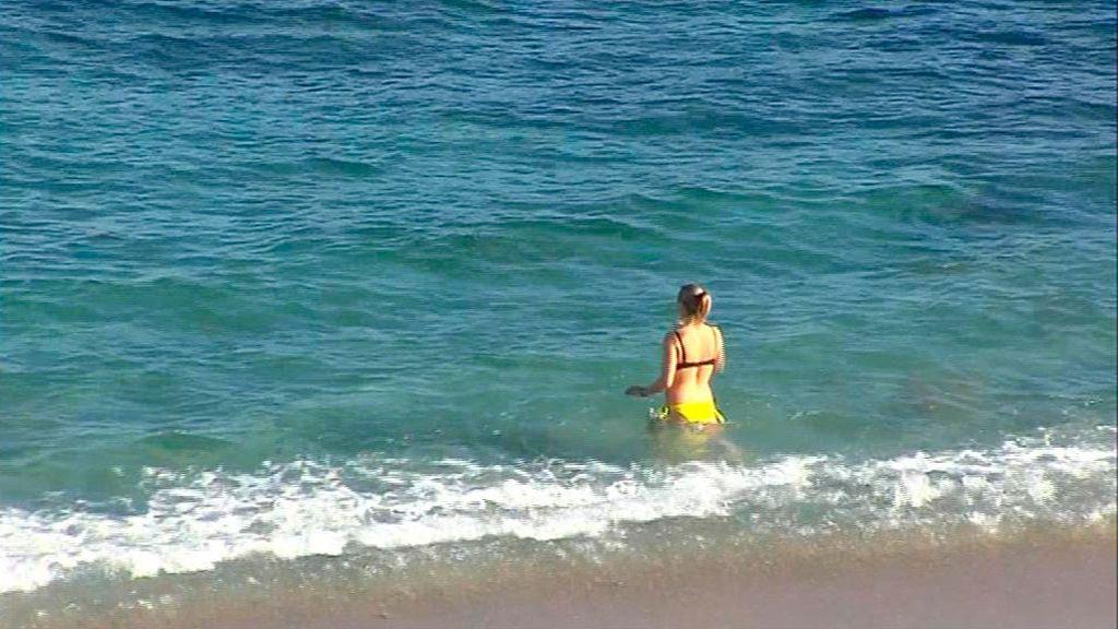 Coruña, febrero y en la playa