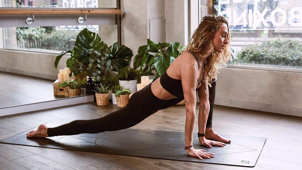 Cómo combatir el estrés con yoga y meditación