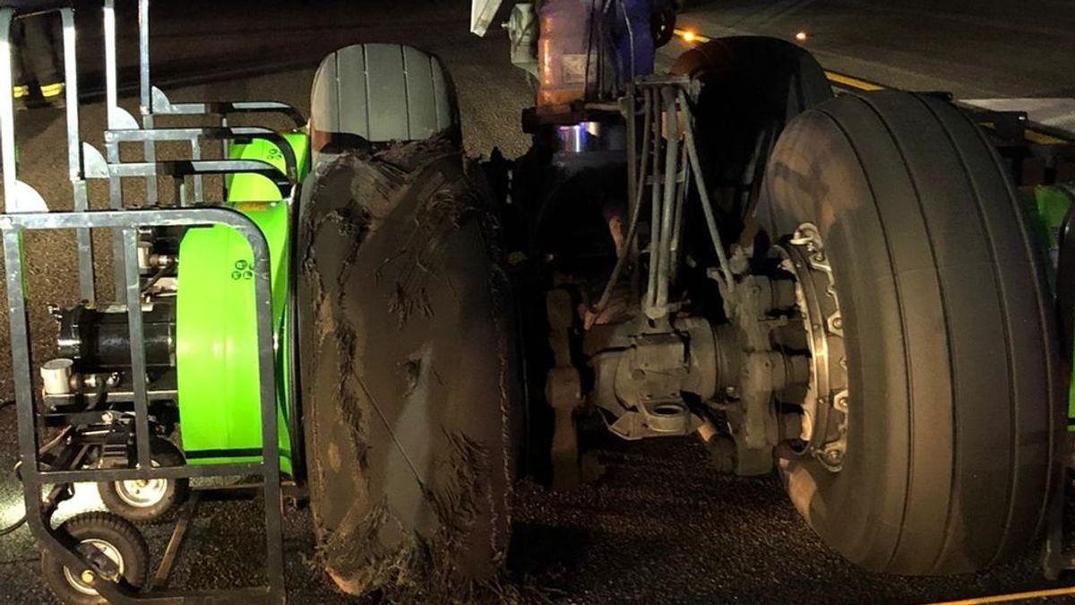 La rueda reventada del avión de Air Canada que provocó el aterrizaje de emergencia