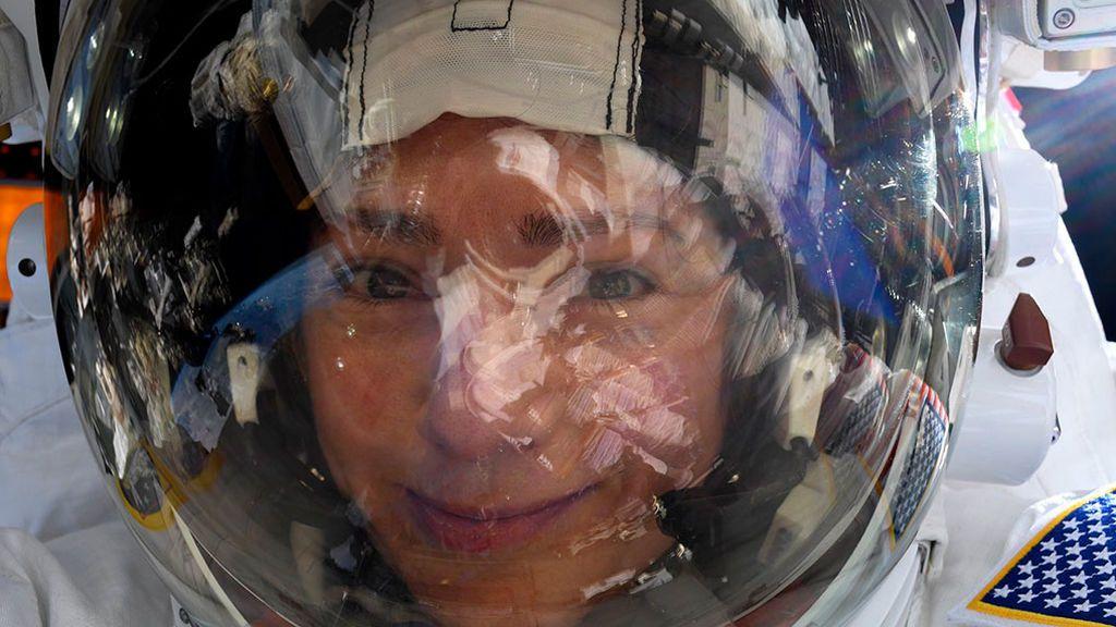 La selfi de la austronauta Jessica Meir
