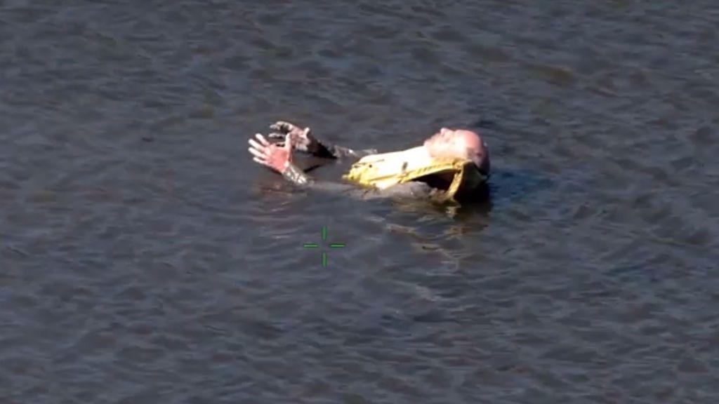 Localizan y salvan a un sexagenario que llevaba días a la deriva tras hacer un viaje en kayak