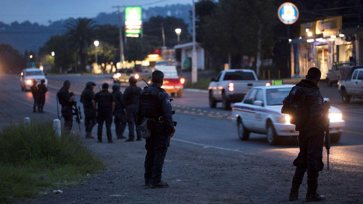 Acribillan a balazos a nueve personas en un salón de máquinas recreativas en México