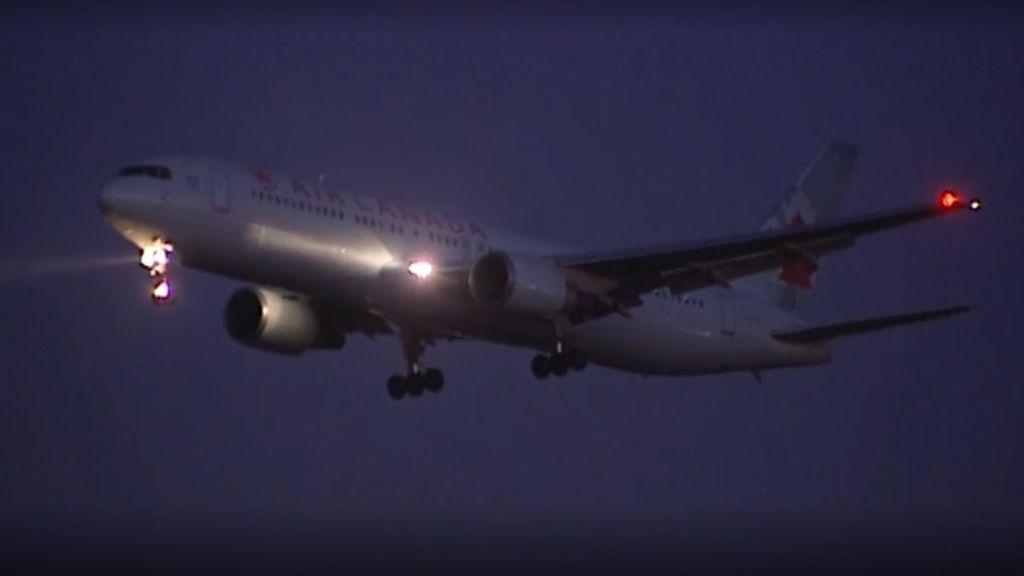 Los pasajeros de Air Canada alaban al piloto