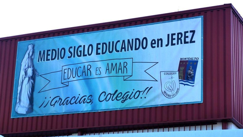 El colegio lleva cincuenta años abierto