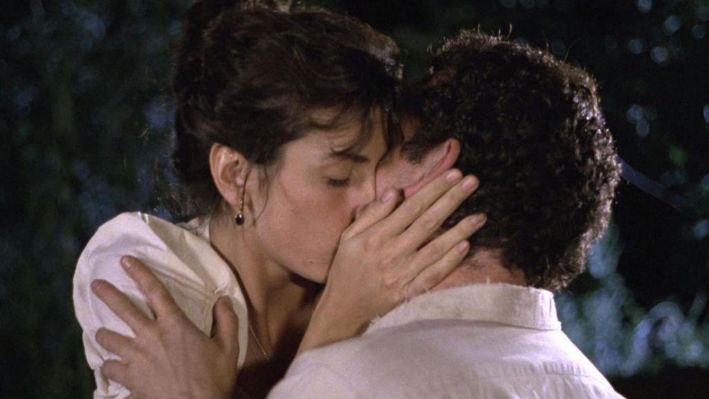 El hombre enamorado del bancal: cuando Jose Luis Cuerda enseñó a besar a toda una generación
