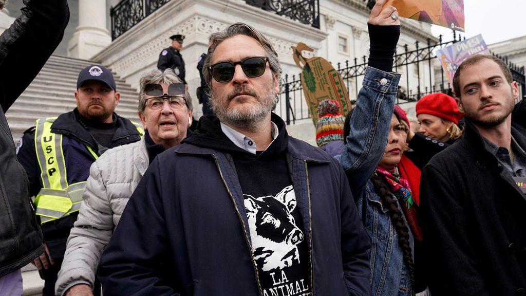 De Jane Fonda a Joaquin Phoenix: los famosos detenidos por protestar contra la emergencia climática