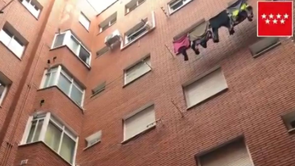 Muere un hombre al caer de un quinto piso en Getafe en un accidente mientras limpiaba el aire acondicionado