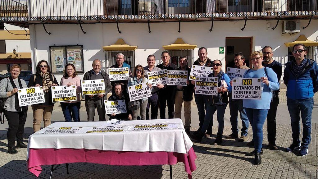 Una decena de bares de un barrio de Córdoba se ponen de huelga