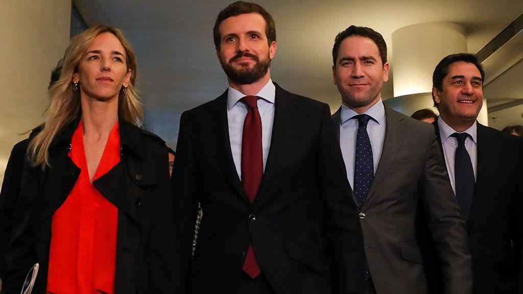 "Casado acusa a Sánchez de ""rendir pleitesía"" a un presidente ""inhabilitado"" como Torra"