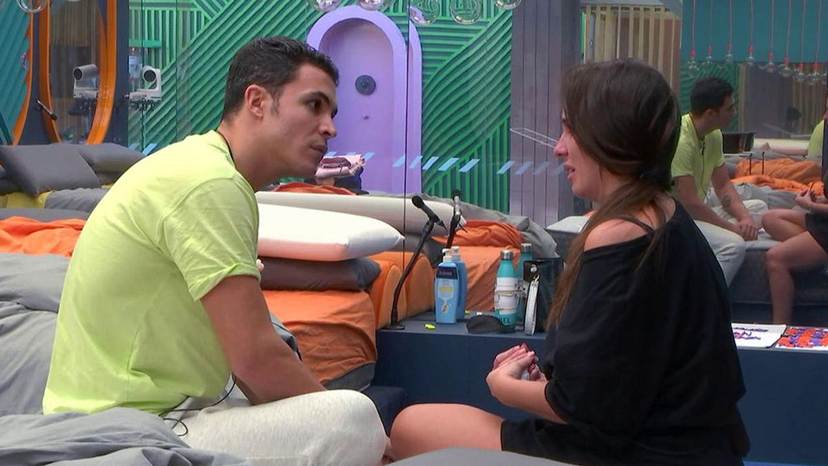 Anabel explica a Kiko la confusión con la nota de Estela