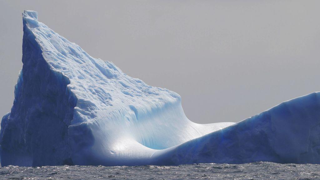 El iceberg más grande del mundo, a la deriva: se ha soltado de tierra firme y avanza ya por el Atlántico