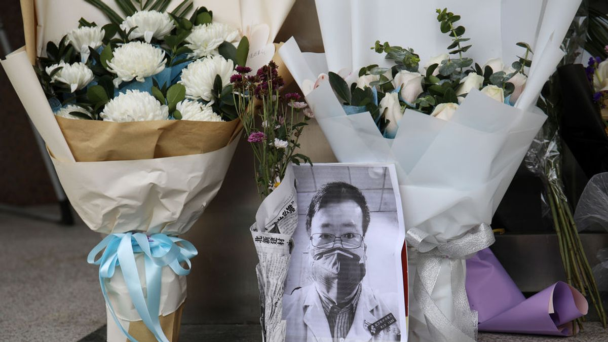 """El Gobierno chino abre una investigación sobre """"asuntos relacionados"""" con el médico Li Wenliang"""