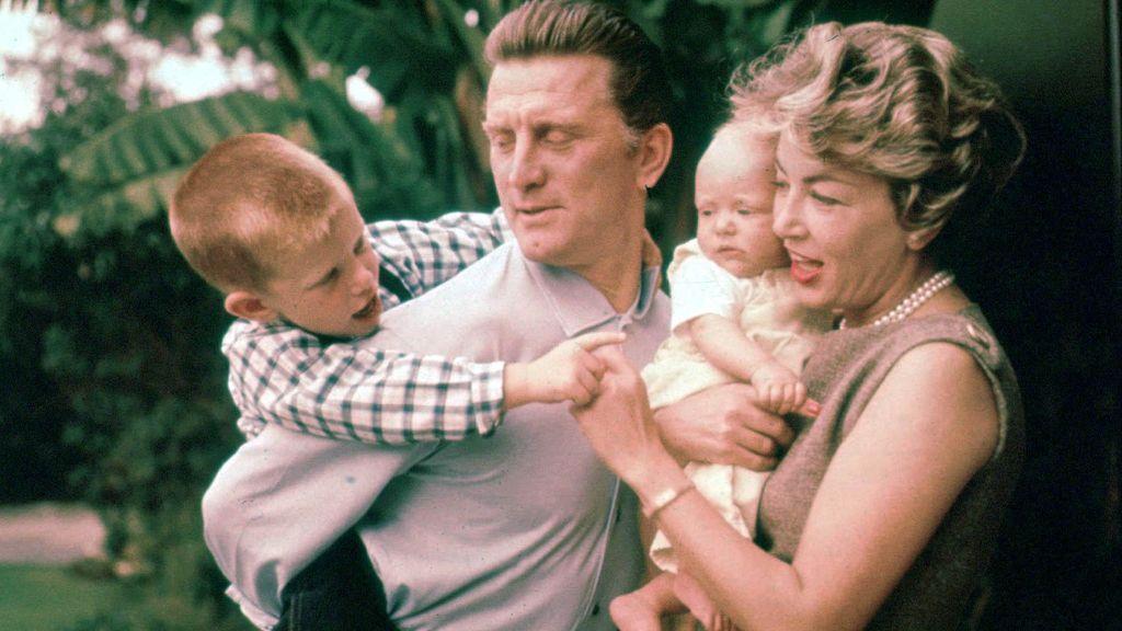 Douglas y su familia
