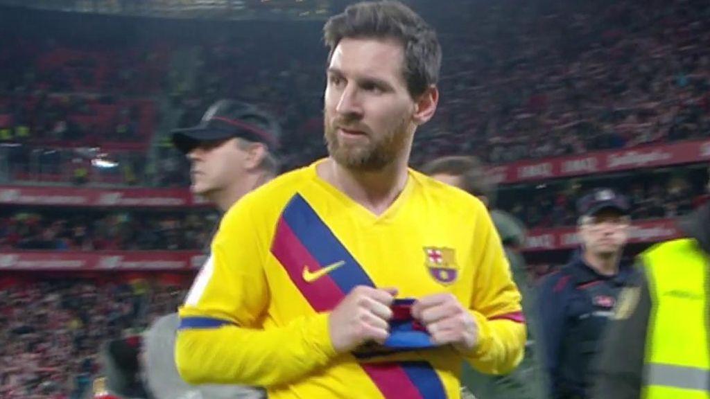 La decepción de Messi camino del vestuario tras caer ante el Athletic en Copa