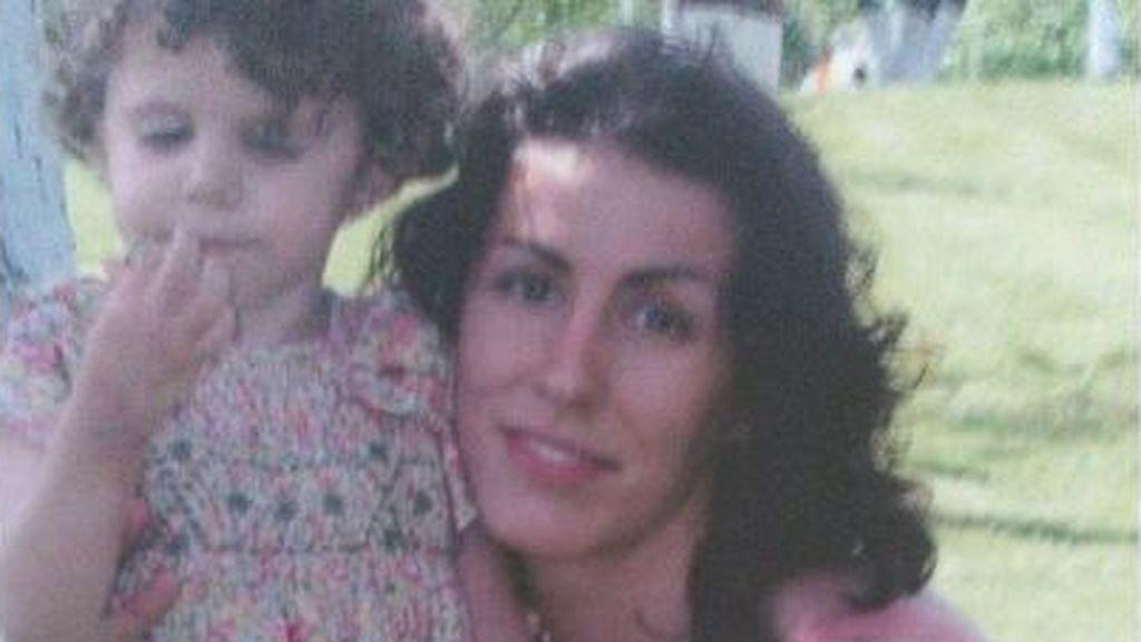 """La sobrina de Letizia dedica una canción a su madre Érika trece años después de su muerte: """"Me siento sola"""""""