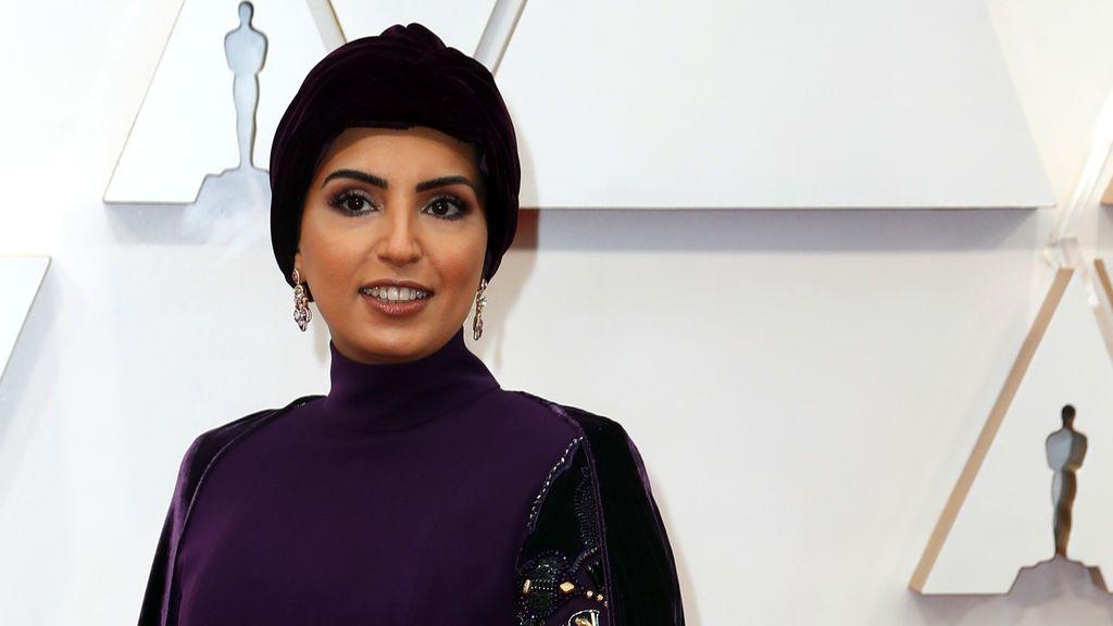 Fatma Hassan Alremaihi  posa en la alfombra roja de los Premios Óscar 2020
