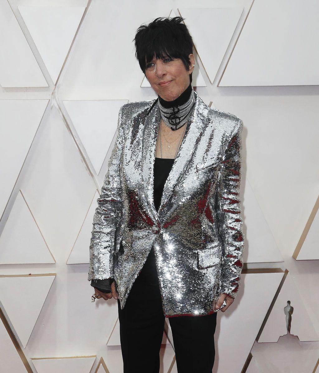 Diane Warren posa en la alfombra roja de los Premios Óscar 2020