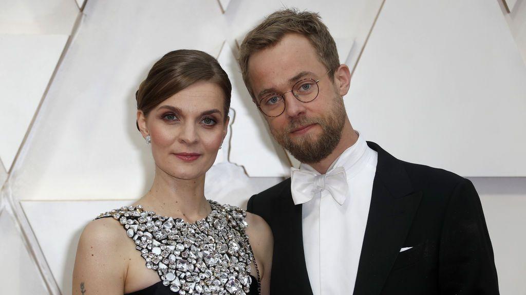 Hildur Guonadottir posa en la alfombra roja de los Premios Óscar 2020