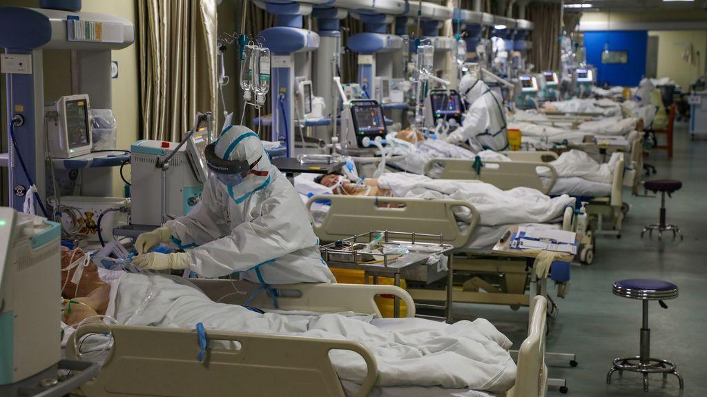 Los fallecidos por el coronavirus en China ya superan a los de SARS: hay 765 muertos y más de 37000 afectados
