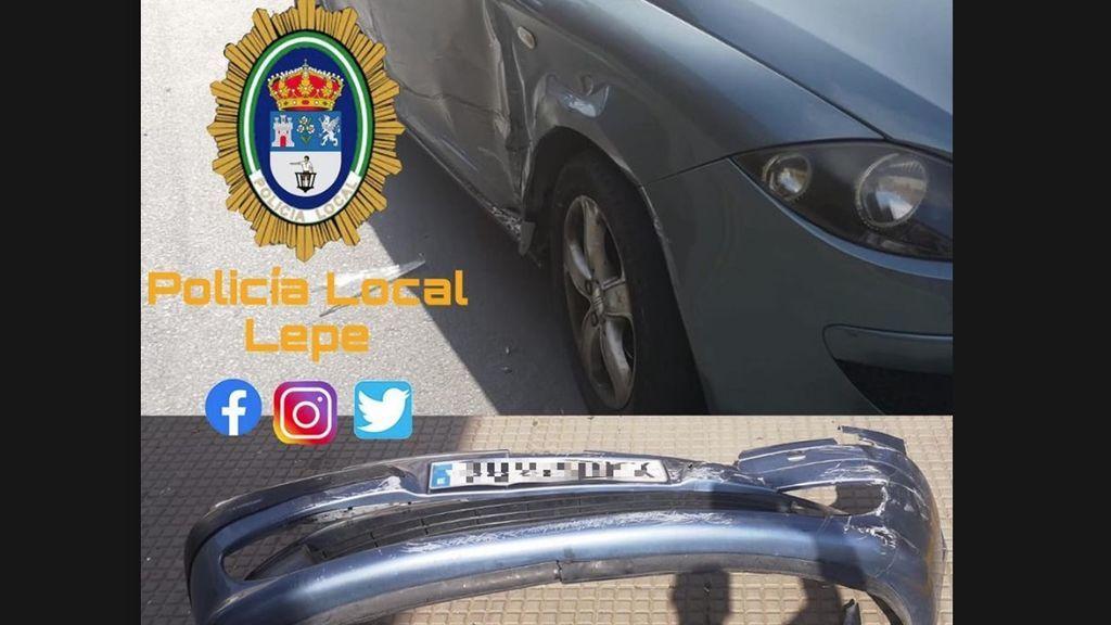 Un conductor sin carné provoca un accidente y se fuga: se dejó la matrícula caída por el golpe y fue identificado