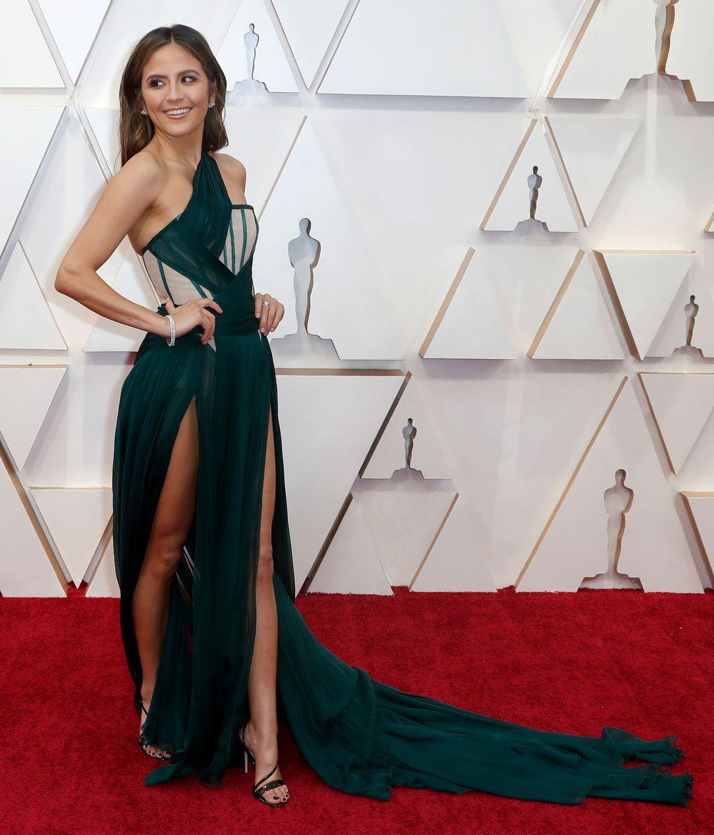 Erin Lim posa en la alfombra roja de los Premios Óscar 2020