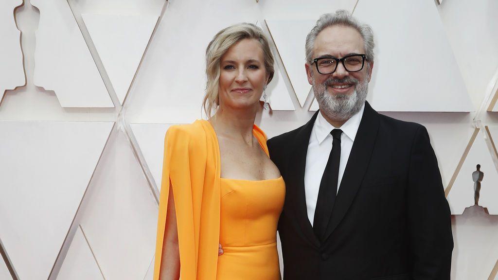 Sam Mendes y Alison Balsom posan en la alfombra roja de los Premios Óscar 2020