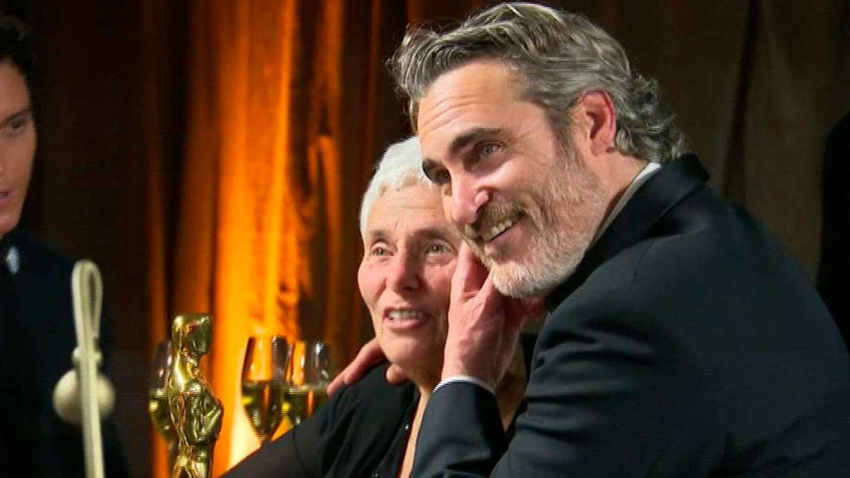 Fiesta post Oscars 2020: de las confidencias de Joaquin Phoenix y su madre a un relajado Brad Pitt y una eufórica Renné Zellweger