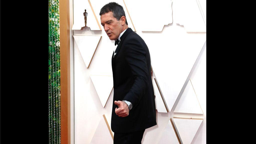 Banderas baila, Gisela seduce a la cámara y el 'castilian': los mejores momentos de la representación española en los Óscar