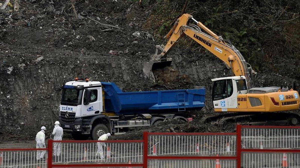 Construirán  un muro de contención en el vertedero de Zaldivar donde siguen  sepultados dos trabajadores