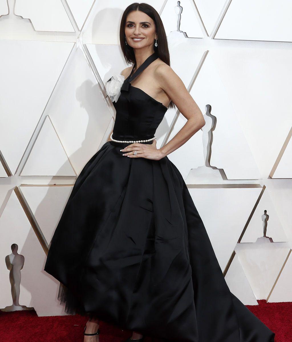 Penélope Cruz posa en la alfombra roja de los Premios Óscar 2020