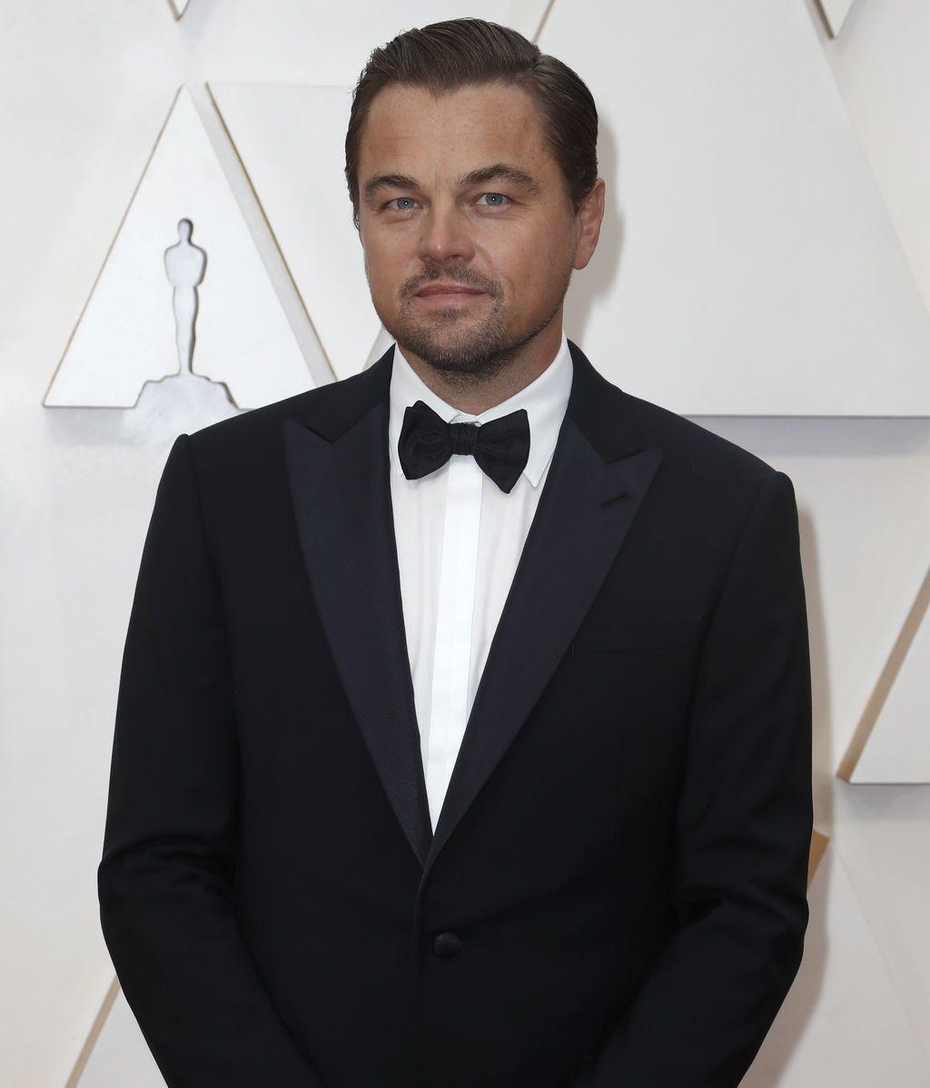 Leonardo DiCaprio posa en la alfombra roja de los Premios Óscar 2020