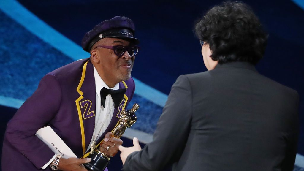 Bong Joon Ho recibe el Óscar a Mejor Director por 'Parásitos'