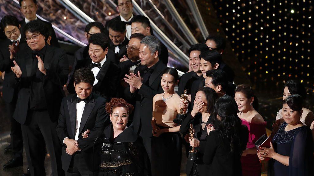 'Parásitos', la gran triunfadora, con cuatro Óscar deja sin premio a Dolor y Gloria