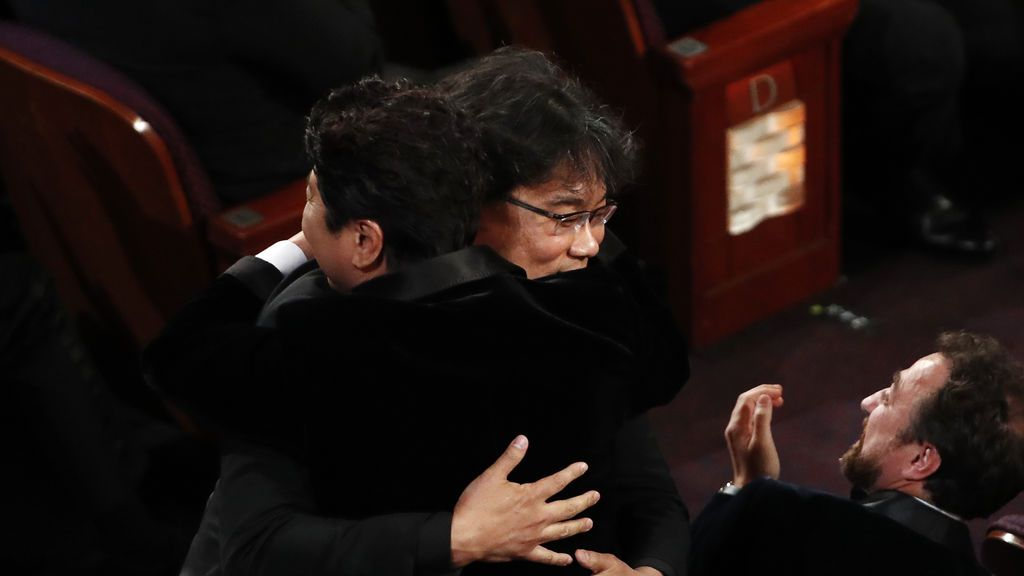 'Parásitos' recibe el Óscar a Mejor Guión Original