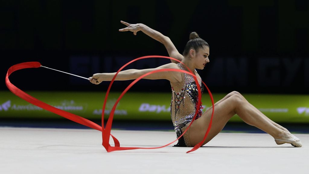 La campeona del mundo de gimnasia rítmica se retira tras ser diagnosticada con bulimia