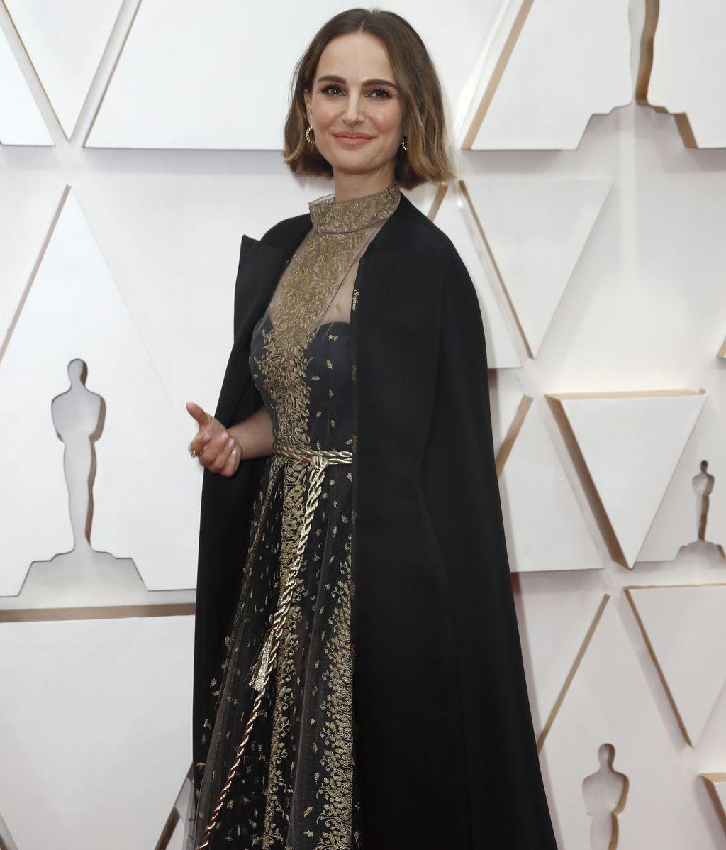 Natalie Portman posa en la alfombra roja de los Premios Óscar 2020