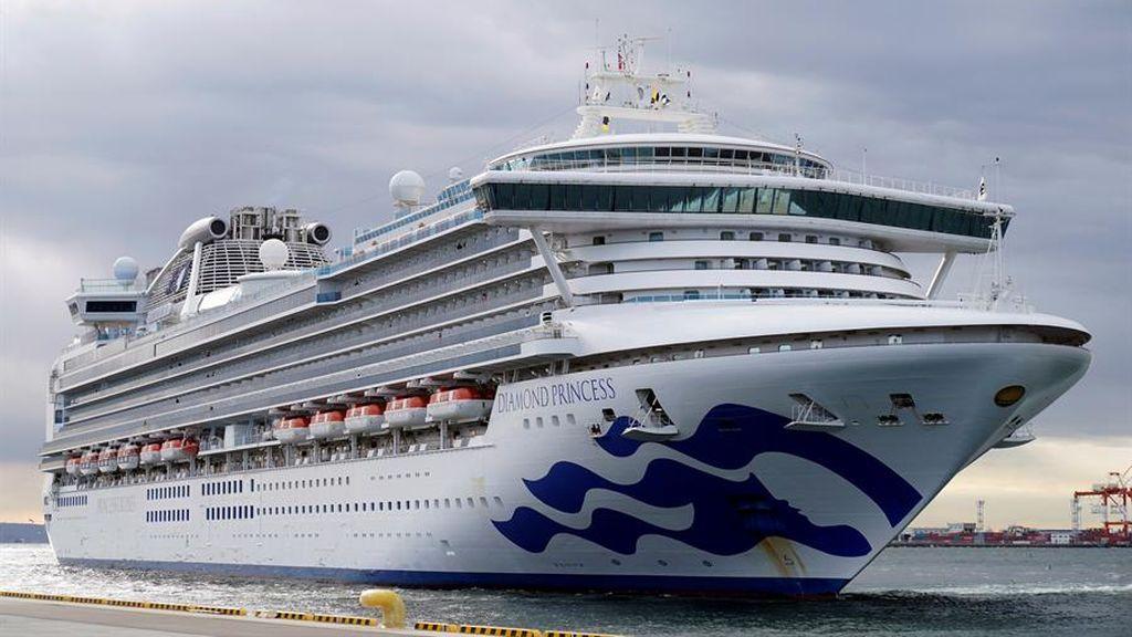 Se eleva el número de infectados por coronavirus en el crucero de Japón: hay 130 casos confirmados