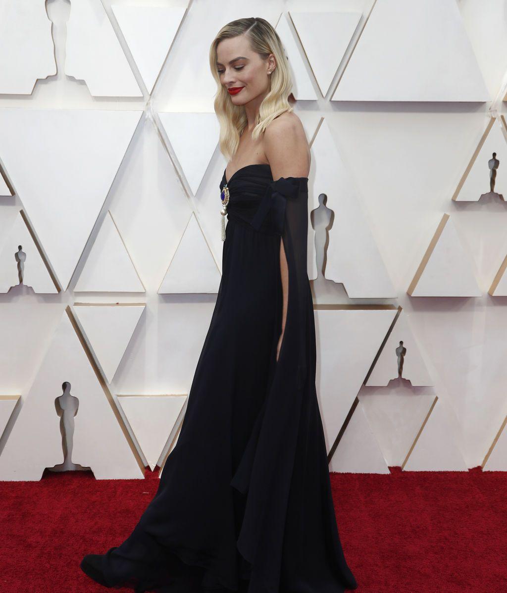 Margot Robbie posa en la alfombra roja de los Premios Óscar 2020