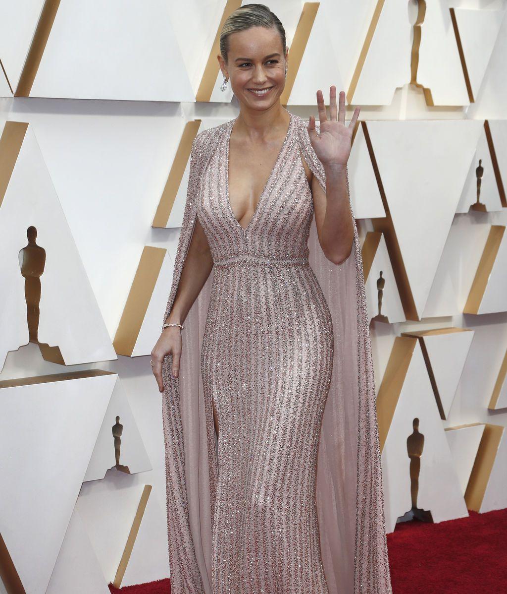 Brie Larson posa en la alfombra roja de los Premios Óscar 2020