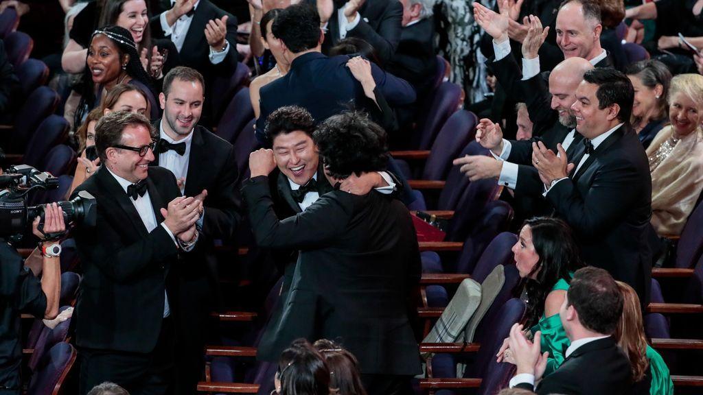 Parásitos deja boquiabierto a Hollywood: Se lleva los cuatro principales Óscar