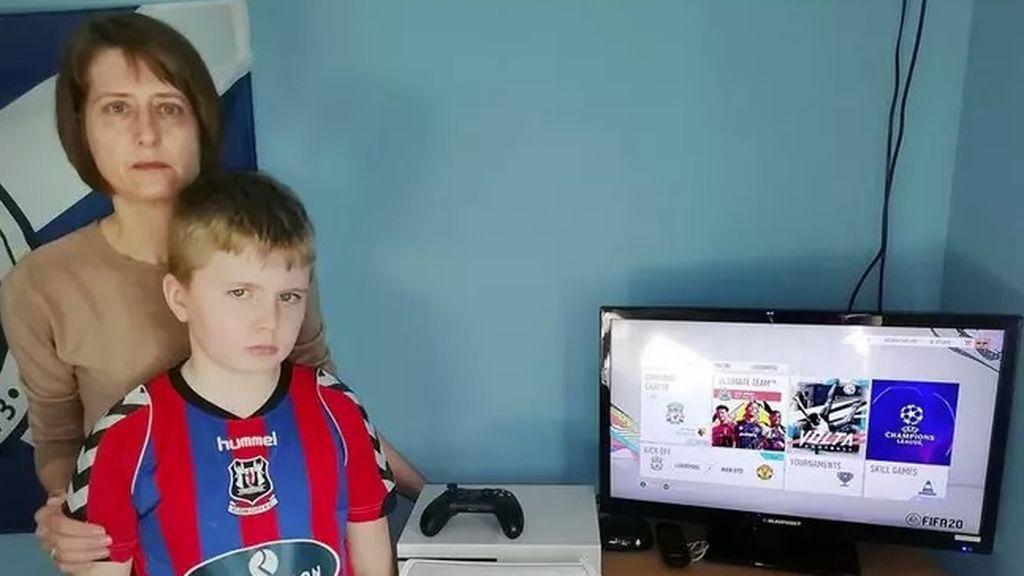Una madre persigue a Microsoft debido a que unos 'hackers' se gastaron 250 euros en FIFA Points en la cuenta del UT de sus hijos