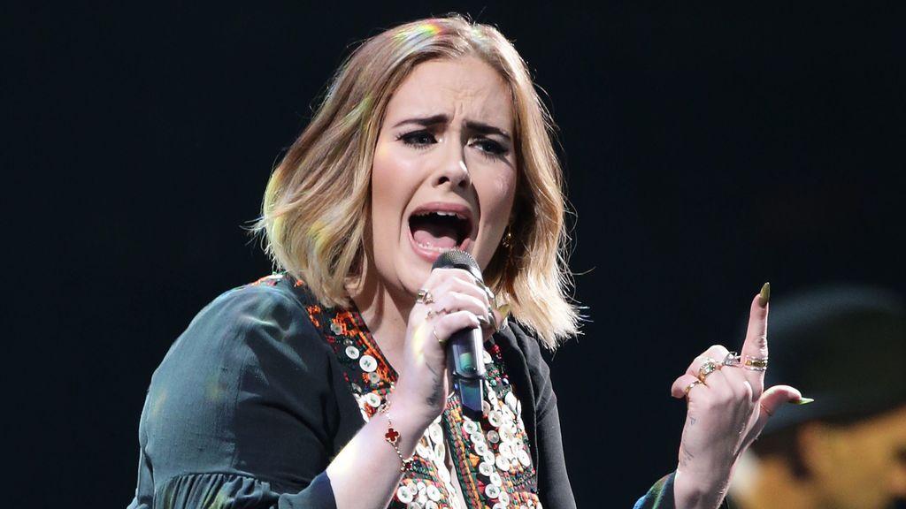 """Una fan se encuentra con Adele y no la reconoce por su pérdida de peso: """"No sabía que era ella"""""""