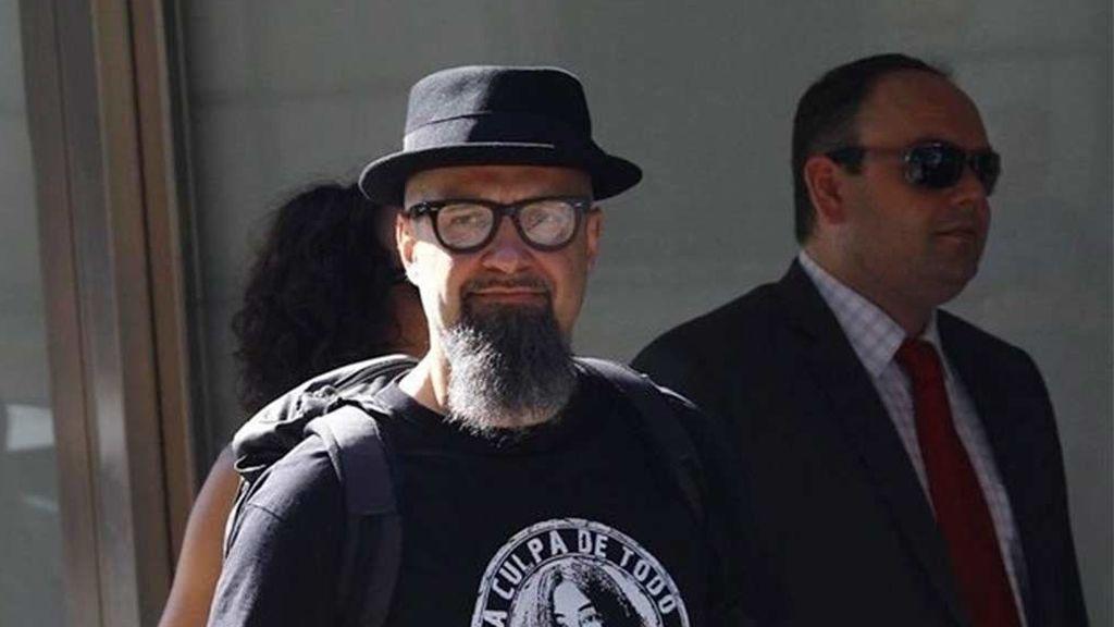 El Tribunal Constitucional estudia anular la condena por enaltecimiento del terrorismo al cantante de Def con Dos , César Strawberry